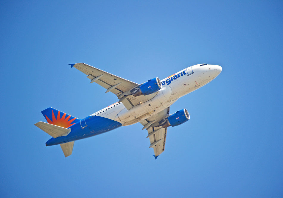 Allegiant Air Deploys iPads with LocknCharge, FUYL Tower 15